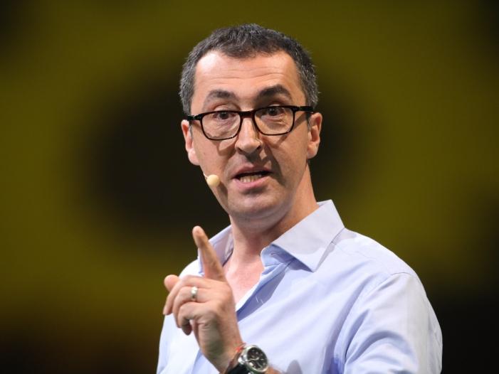 "zdemir kritisiert Politik als zu nachgiebig gegenüber Ditib - Özdemir kritisiert Politik als ""zu nachgiebig"" gegenüber Ditib"