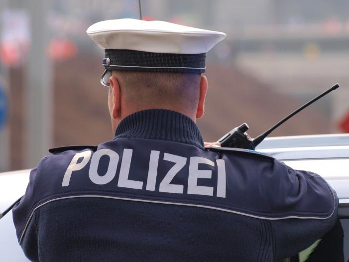 Amnesty kritisiert neues NRW Polizeigesetz - Durchsuchung in Heilbronn wegen Hackerangriff