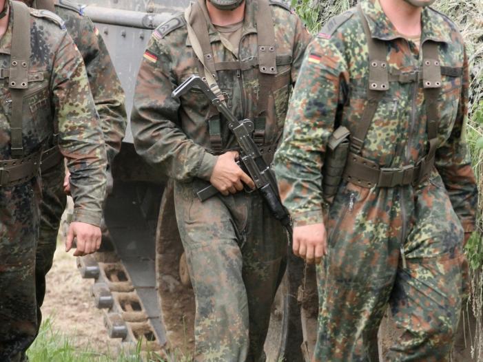 Bild von Zahl minderjähriger Rekruten in Bundeswehr deutlich gesunken