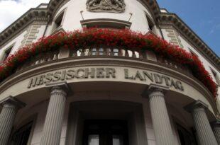 Hessen CDU und Grüne einigen sich auf Koalitionsvertrag 310x205 - Hessen: CDU und Grüne unterzeichnen Koalitionsvertrag