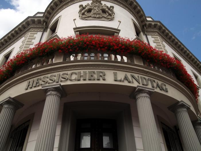 Hessen CDU und Grüne einigen sich auf Koalitionsvertrag - Hessen: CDU und Grüne unterzeichnen Koalitionsvertrag
