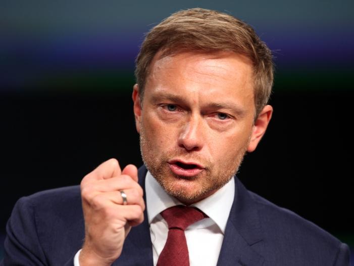 Lindner hält Jamaika Koalition wieder für möglich - Lindner wirft Kramp-Karrenbauer Taktieren bei Grundrente vor