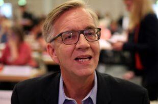 """Linksfraktionschef Bartsch warnt vor Kulturkampf von rechts 310x205 - Linksfraktionschef kritisiert """"Starke-Familien-Gesetz"""""""