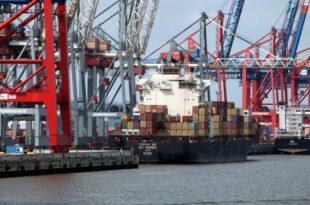 Mehr Weihnachtsartikel importiert 310x205 - Regierungsberater zweifeln an wichtigen EU-Daten im Handelskonflikt