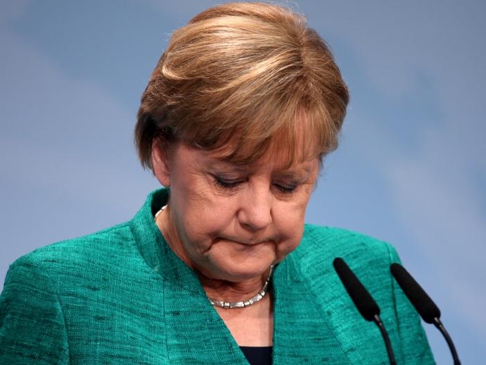 Photo of Merkel kondoliert nach Tsunami-Katastrophe in Indonesien