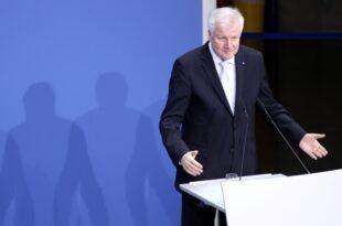 Seehofer lobt Merkel Sie ist die Beste 310x205 - Nach Übergriffen von Migranten: Seehofer will härtere Gesetze