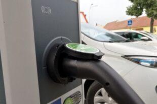 Starker Anstieg bei Ladestationen für Elektroautos 310x205 - Starker Anstieg bei Ladestationen für Elektroautos