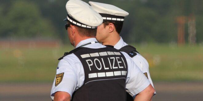 Umfrage Bundesbürger wollen Beamte nur noch bei Polizei und Justiz 660x330 - Niedersachsens Innenminister kritisiert AfD-Karriere bei Beamten