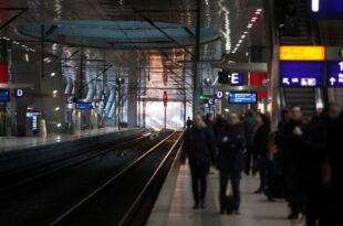 Zugverkehr läuft nach Streikende wieder an 310x205 - Zugverkehr läuft nach Streikende wieder an
