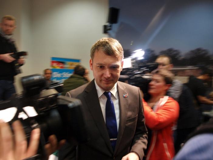 Photo of Forsa-Chef sieht Chancen für neue Poggenburg-Partei