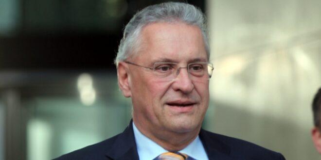 Hackerangriff Bayerns Innenminister kritisiert Krisenkommunikation 660x330 - Bayerns Innenminister lobt härtere Gangart im Umgang mit AfD