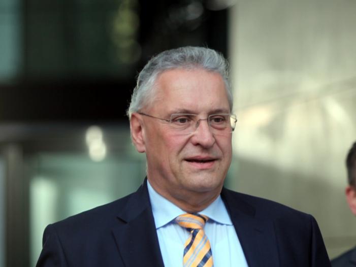Bild von Bayerns Innenminister lobt härtere Gangart im Umgang mit AfD