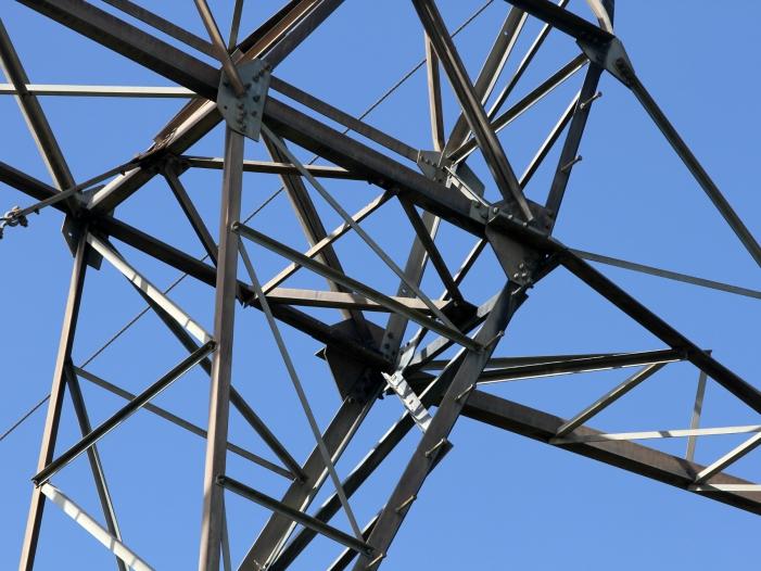 Bild von IG-BCE-Chef mahnt zügige Fortschritte beim Netzausbau an
