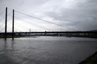 Niedrigwasser im Rhein bremste Wirtschaftswachstum 310x205 - Niedrigwasser im Rhein bremste Wirtschaftswachstum
