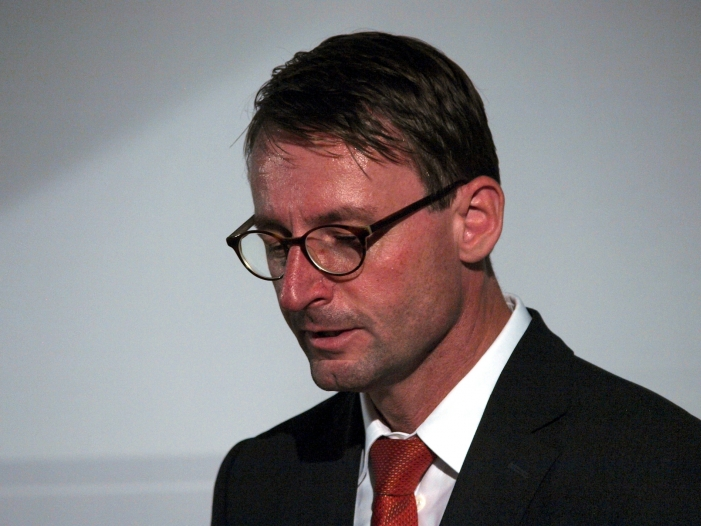 Photo of Sachsens Innenminister fordert Konsequenzen aus Datenraub-Skandal