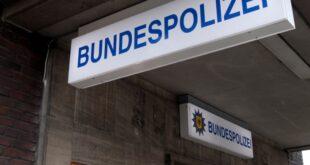 Seehofer Bundespolizei schickt 230 Einsatzkraefte in Schneegebiete 310x165 - Seehofer: Bundespolizei schickt 230 Einsatzkräfte in Schneegebiete