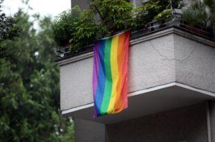 Studie Lesben und Schwule meiden Outing im Job 310x205 - Studie: Lesben und Schwule meiden Outing im Job