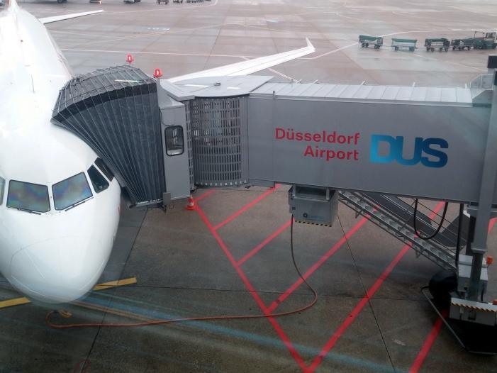 Wegen Warnstreiks 370 Fluege am Flughafen Duesseldorf gestrichen - Wegen Warnstreiks: 370 Flüge am Flughafen Düsseldorf gestrichen