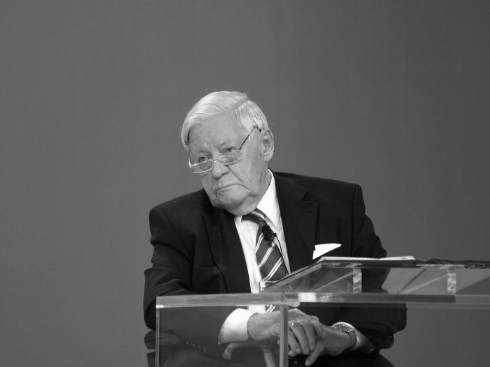 Bundespräsident: Helmut Schmidt war nicht autoritär