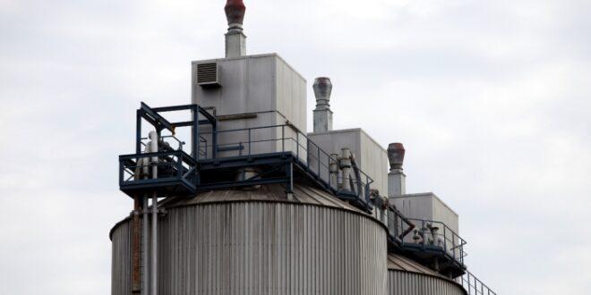 DIHK sieht durch hohe Stromkosten Wettbewerbsfaehigkeit bedroht 660x330 - DIHK sieht durch hohe Stromkosten Wettbewerbsfähigkeit bedroht