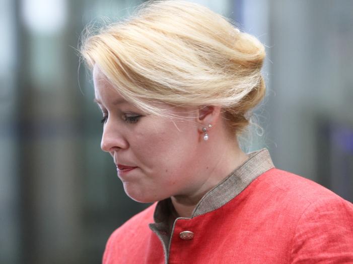 Photo of Giffey äußert sich zu Plagiatsvorwürfen