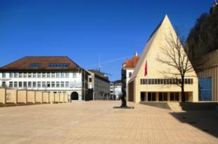 Landtagplatz 310x205 - Liechtensteiner Unternehmen profitieren von öffentlichen Aufträgen