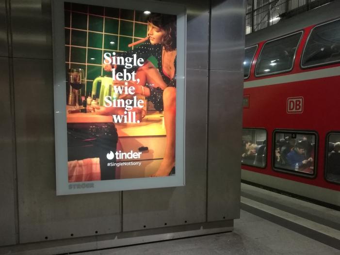 Photo of Umfrage: Jeder Dritte nutzt Online-Dating-Dienste