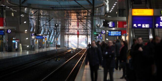 Bahn Kostenloses WLAN kuenftig auch im Intercity 660x330 - Bahn: Kostenloses WLAN künftig auch im Intercity
