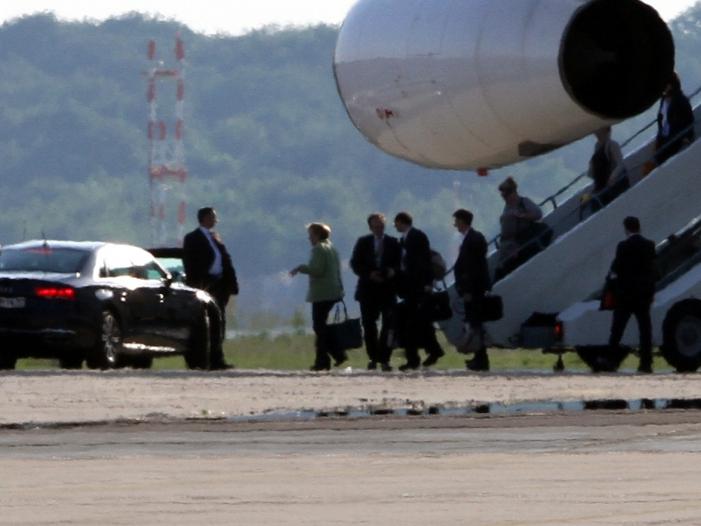 Behörden warnten vor Rissen in Flugbereitschaft-Maschine