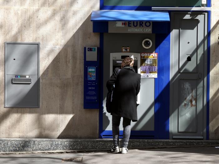 Bild von Deutsche nutzen im Auslandsurlaub überwiegend Bargeld