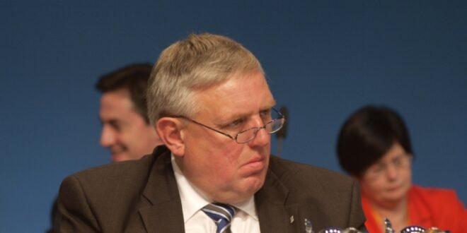 NRW Gesundheitsminister Laumann fuer Impfpflicht gegen Masern 660x330 - NRW-Gesundheitsminister Laumann für Impfpflicht gegen Masern