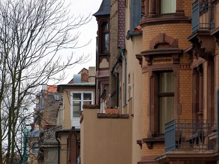 Umfrage Fast jeder Zweite fuer Enteignungen im Immobiliensektor - Umfrage: Fast jeder Zweite für Enteignungen im Immobiliensektor