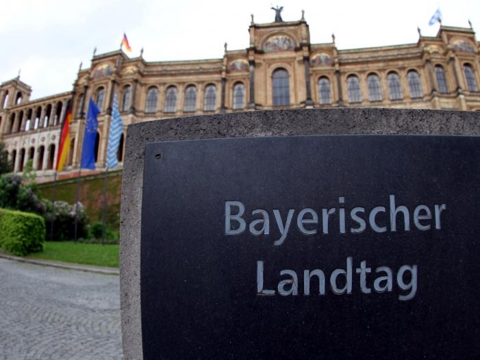 Photo of Bayern lehnt Verschärfung des Waffengesetzes ab