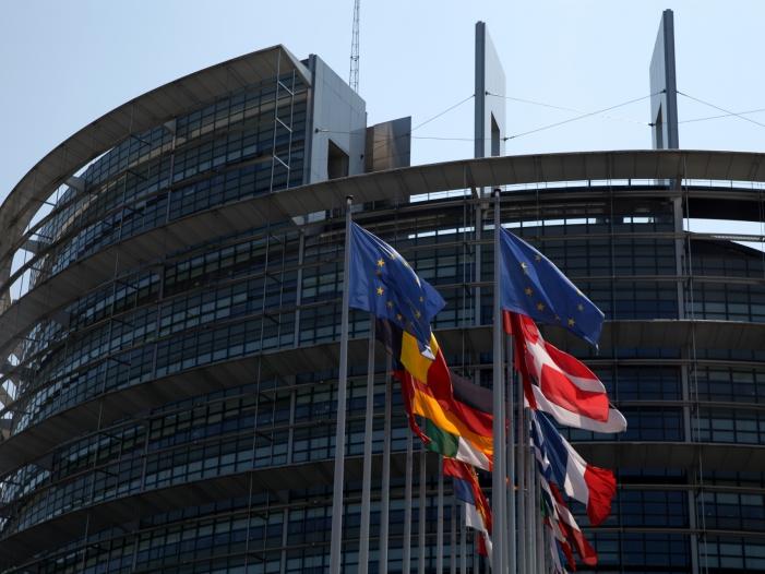Bild von Bundeskanzlerin verteidigt Zurückhaltung im Europawahlkampf
