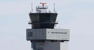 Flugsicherung droht Engpass Flugverspaetungen befuerchtet 310x165 - Flugsicherung droht Engpass - Flugverspätungen befürchtet