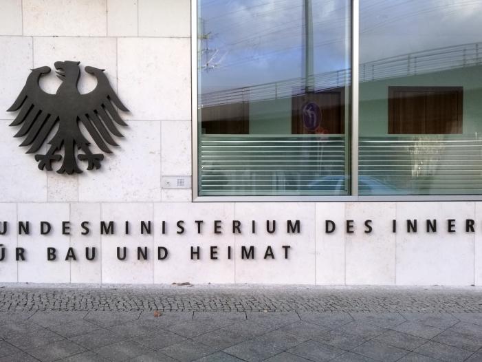 Photo of Innenstaatssekretärin will serielles Bauen fördern