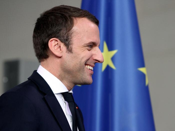 """Photo of Oettinger: Kein """"Vetorecht"""" für Macron bei EU-Kommissionspräsident"""