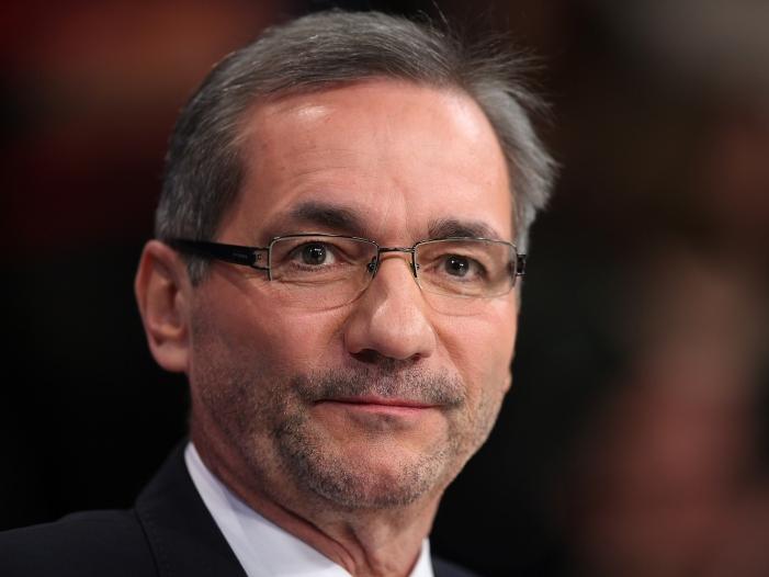 Platzeck verteidigt seine Berufung zum Einheitskommissionschef - Platzeck verteidigt seine Berufung zum Einheitskommissionschef