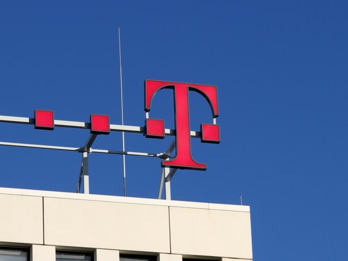 Telekom Mitarbeiter sollen auf Huawei Diensthandys verzichten - Telekom-Mitarbeiter sollen auf Huawei-Diensthandys verzichten
