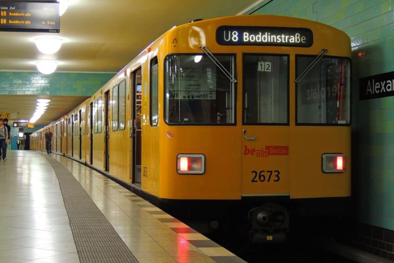 U Bahn Alexanderplatz - Einspruch im Vergabeverfahren über neue Berliner U-Bahn-Züge