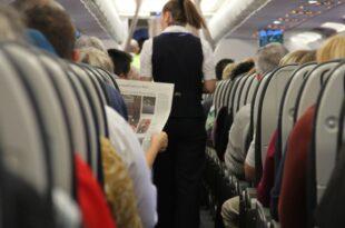 Umfrage Flugbegleiter werden haeufig sexuell belaestigt 310x205 - Umfrage: Flugbegleiter werden häufig sexuell belästigt
