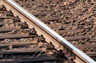 Weniger als jede zweite Bahnstrecke ins Ausland elektrifiziert 310x205 - Weniger als jede zweite Bahnstrecke ins Ausland elektrifiziert