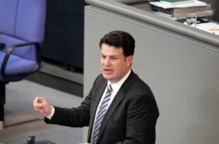 Arbeitsminister will Betriebsrentner entlasten 310x205 - Arbeitsminister will Betriebsrentner entlasten