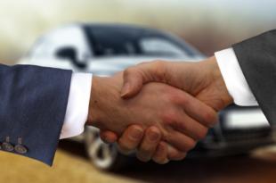 Autokauf 310x205 - Der Automarkt wird durch das Internet revolutioniert