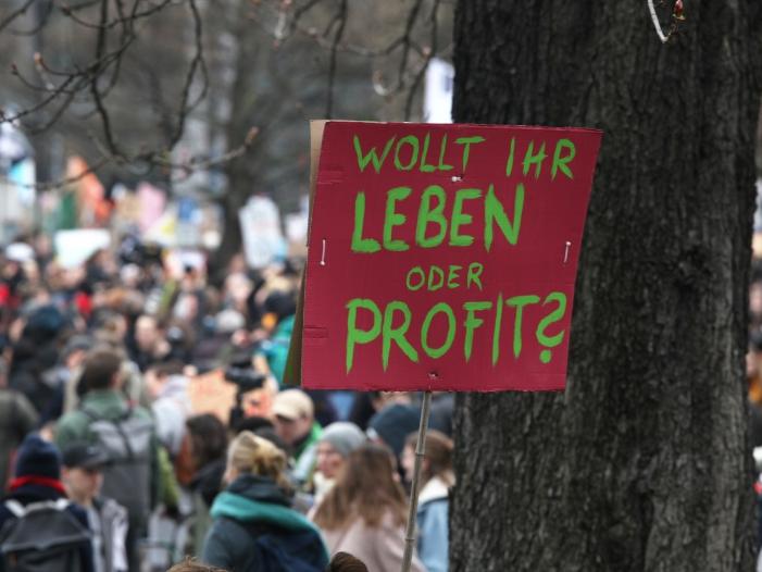 "Behoerden Linksextreme wollen Fridays for Future unterwandern - Behörden: Linksextreme wollen ""Fridays for Future"" unterwandern"