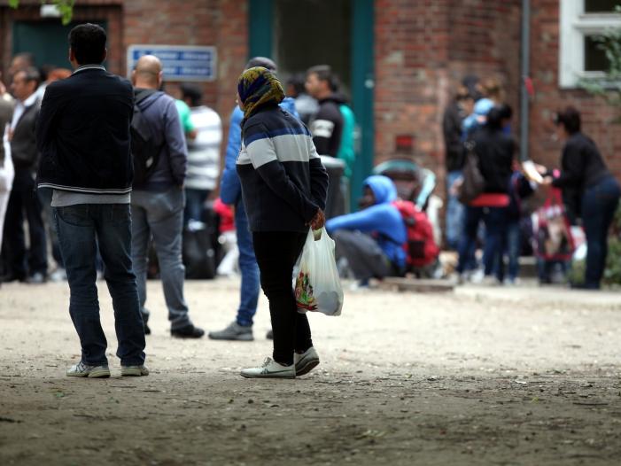 Bild von Bundesregierung: Fast 300.000 Asylklagen anhängig