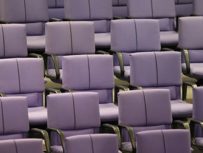 Photo of Bundestagsabgeordnete fehlen freitags am häufigsten