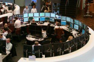 DAX legt zu Euro staerker 310x205 - DAX legt zu - Euro stärker