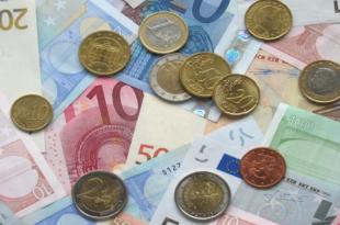 Euromuenzen 310x205 - Lokale Aktien sind die Favoriten der deutschen Anleger
