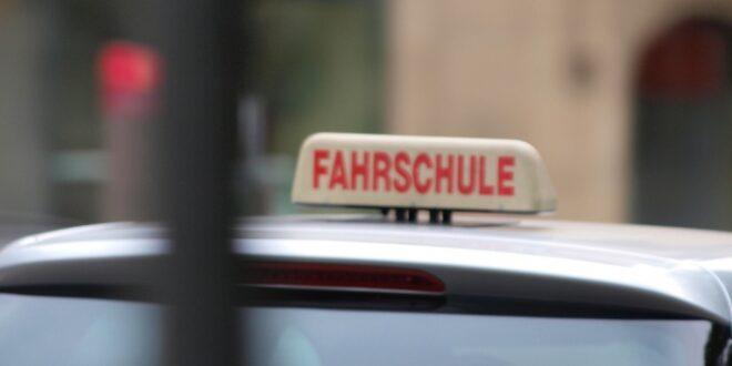 Fahrlehrer kritisieren Fuehrerschein Plaene des Verkehrsministers 660x330 - Fahrlehrer kritisieren Führerschein-Pläne des Verkehrsministers